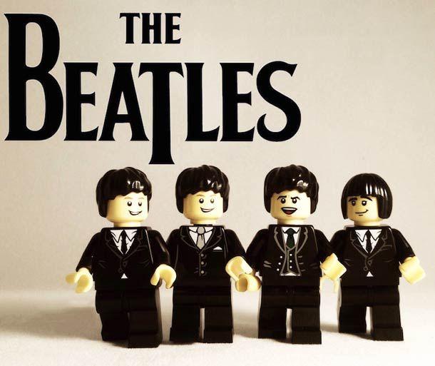 Une excellente série de 20groupes de musique cultes recréés en LEGO! Des Pixies aux Ramones en passant par les Beastie Boys, les Foo Fighters, les Beatle