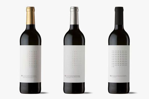 Actualité / Une bouteille de vin toute en sobriété / étapes: design & culture visuelle