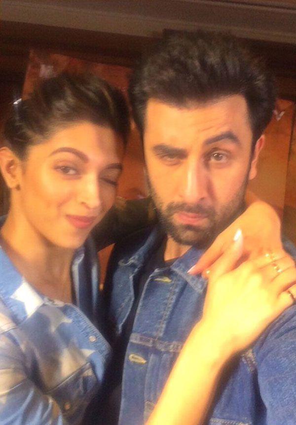Ranbir Kapoor Has Eyes Only For Deepika Padukone In This Romantic Selfie Together Deepika Padukone Ranbir Kapoor Ranbir Kapoor Hairstyle