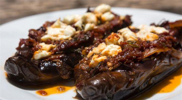 Ιμάμ Μπαϊλντί με αυθεντική Σμυρνέϊκη συνταγή - Filenades.gr