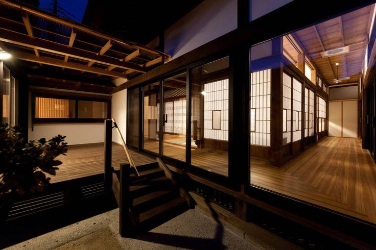 吉田建築計画事務所 の クラシカルな バルコニー&ベランダ&テラス 伝統のしつらえと、モダンライフの融合