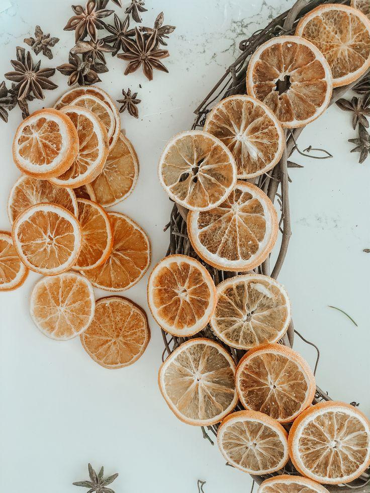 Dried Orange Slices, Dried Oranges, Fruit Decorations, Christmas Decorations, Christmas Ornaments, Dried Lemon, Lemon Wreath, Christmas Wreaths For Front Door, Simple Christmas