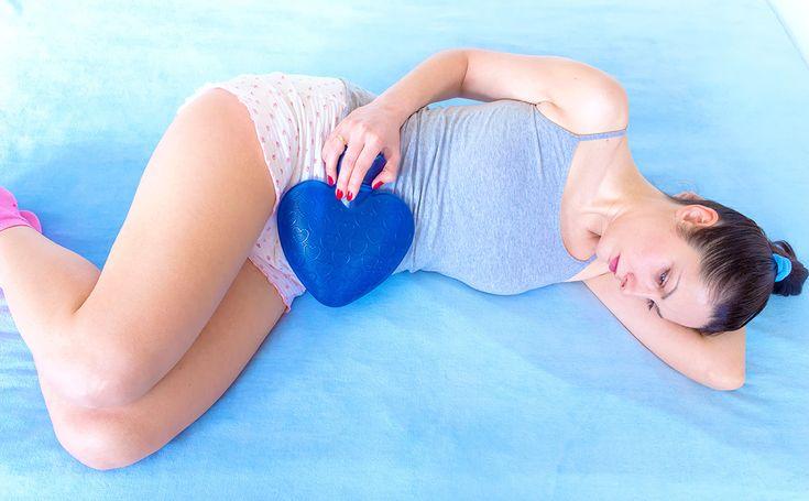 """A cólica também tem um significado psicológico. No livro """"Linguagem do Corpo"""", Cristina Cairo explica a dor que a mulher sente às vésperas da menstruação. http://www.eusemfronteiras.com.br/linguagem-do-corpo-colicas-menstruais/ #eusemfronteiras #cólicas #menstruais #linguagemdocorpo"""