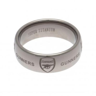 Contemporary super titanium medium Arsenal FC ring. Scratch-resistant ring featuring the club crest and the word 'Gunners'. FREE DELIVERY on all of our gifts