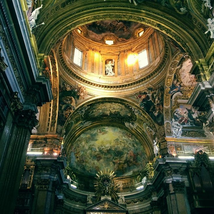 Interior Iglesia del Gesù (Chiesa Sacro Nome di Gesù). Roma - Italia: Juan Carlos Gómez (@jcgomvar) en Instagram.