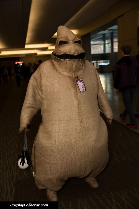 Oogie Boogie cosplay. This is actually pretty scary.