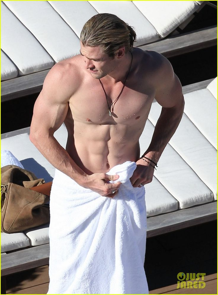 Chris Hemsworth: Shirtless in Sydney! I still think he should play Christian Grey!