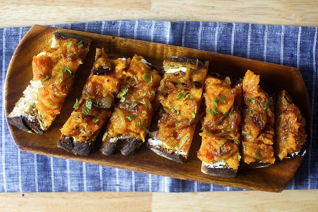 squash toasts with ricotta and cider vinegar/maple syrup-ed onions - smitten kitchen #fall #vegetarian