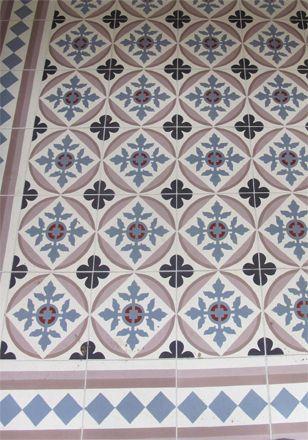 Recherche crédence - carreaux ciment motif antique