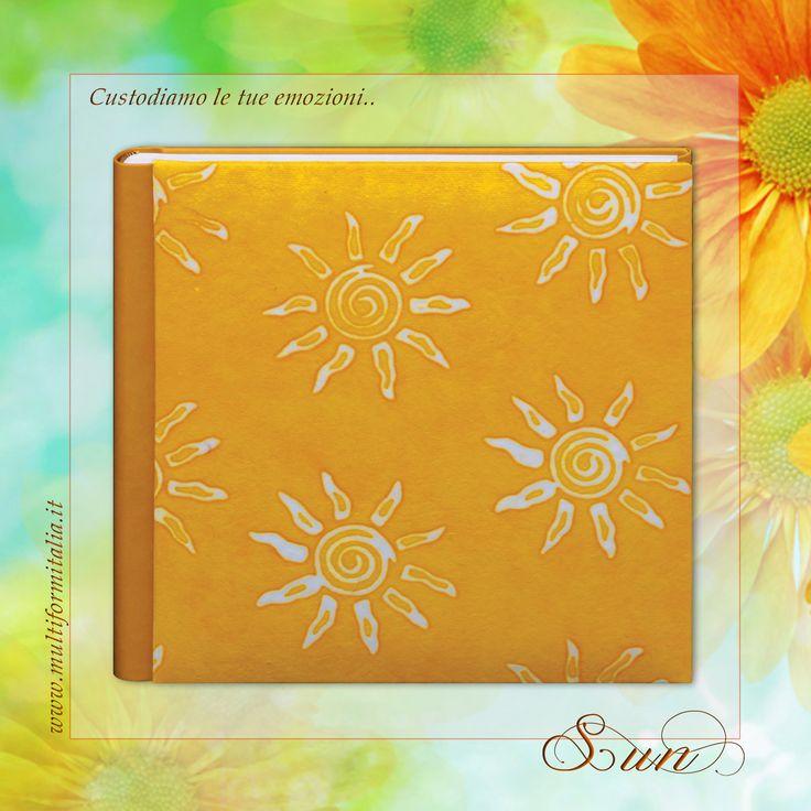 Batik Sun ♥ Coloratissimo album 30x30cm in Cuoio Rigenerato giallo e Carta Batik con 40 interni avorio con veline ..in cui raccogliere i momenti di un'estate indimenticabile. #batikcollection