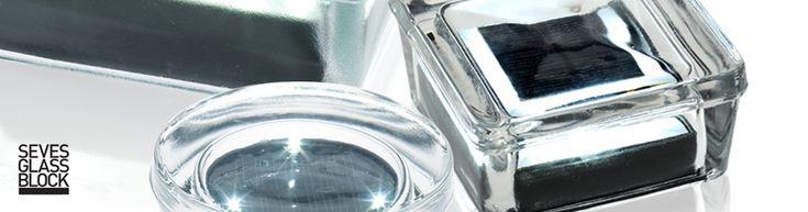 Photovolatic: Mattoni di vetro pedonabili luminosi http://www.archiportale.com/newsletter/dossier/128421.asp?uid=262F501817E14A38A01FF0CA09D489CB