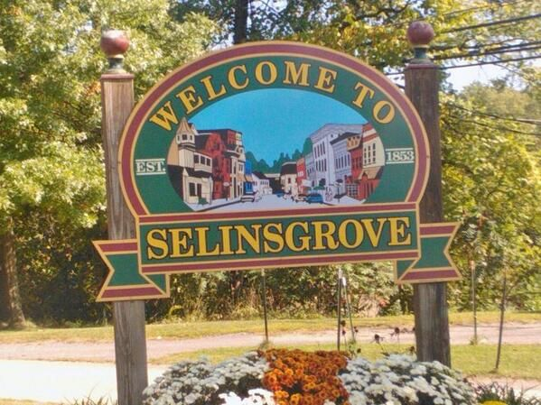 @Becky Spooner   @Sylvain Reynard @Argyle_Empire my mum is visiting PA and went to Selinsgrove to take pics for me.
