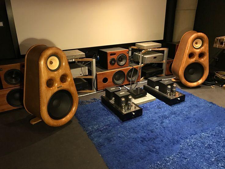 Euphoria high end speakers, tube amplifier.