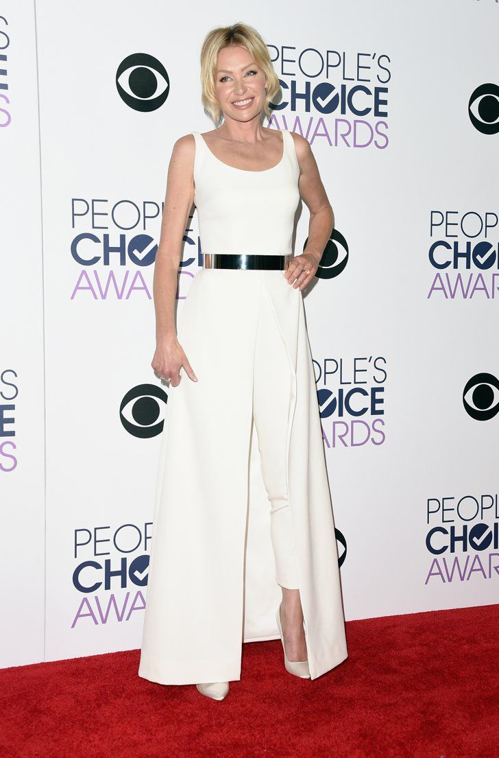 Pin for Later: The Most Glamorous Looks From the People's Choice Awards Portia de Rossi Portia chose an all-white ensemble by Safiyaa, which she accessorized with a silver belt and white Brian Atwood heels.