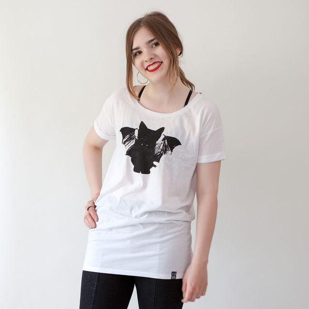 via en.dawanda.com Printed T-Shirts – Oversize Shirt «BatCat» white – a unique product by BonMatin on DaWanda