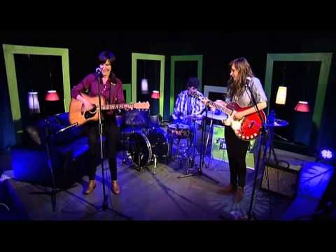 Jen Cloher and Courtney Barnett NUMBERS - YouTube