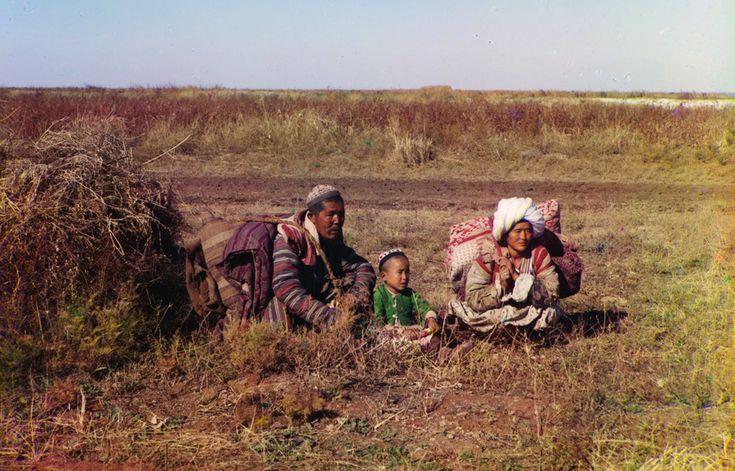 Chirghisi nomadi nella steppa di Golodnaya, al confine tra Uzbekistan e Kazakistan, 1905-1915. (Prokudin-Gorskii
