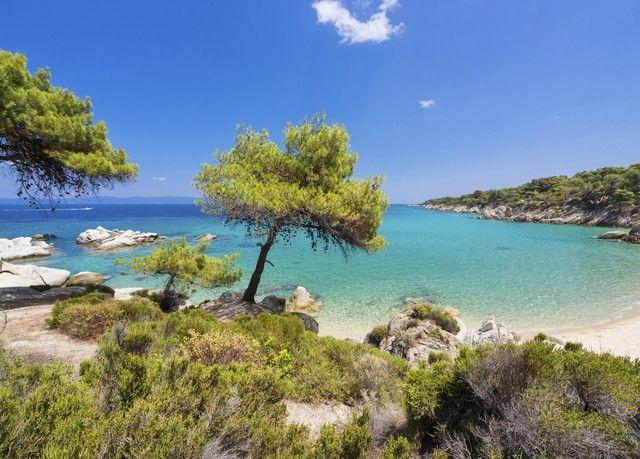 Sonne und Entspannung direkt am Sandstrand von Chalkidiki − inkl. Flügen, Halbpension & Transfers