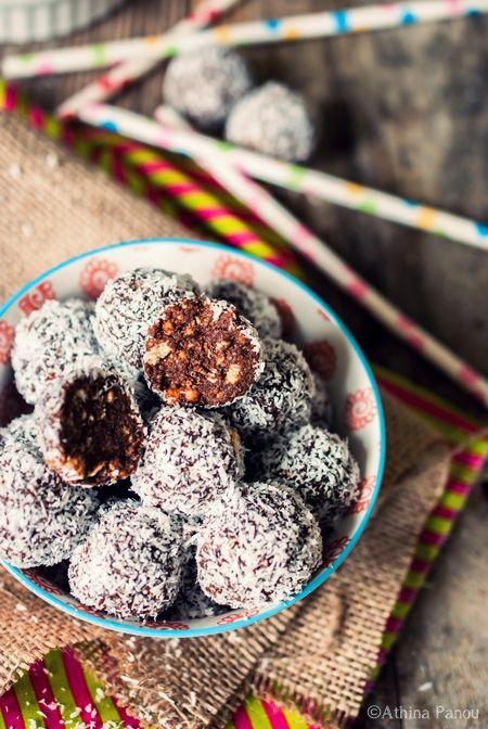 εύκολα σοκολατένια τρουφάκια με μπισκότα