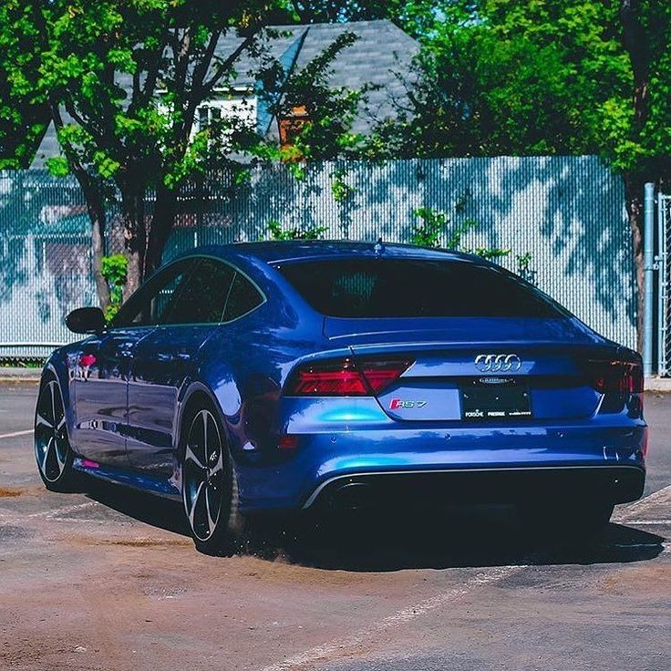 Sometimes when you think you have seen them all a new stunning color combo comes along. That is how I feel with this RS7. Those shades of blue this shine = spectacular photo @supercars_montreal ---- oooo #audidriven - what else ---- . . . . #Audi #RS7 #AudiRS7 #RS7Sportback #quattro #4rings #AudiSport #drivenbyvorsprung #blueRS7 #blueaudi #audirsperformance #carsbyaudisport #audicanada #montreal #quebec #canada