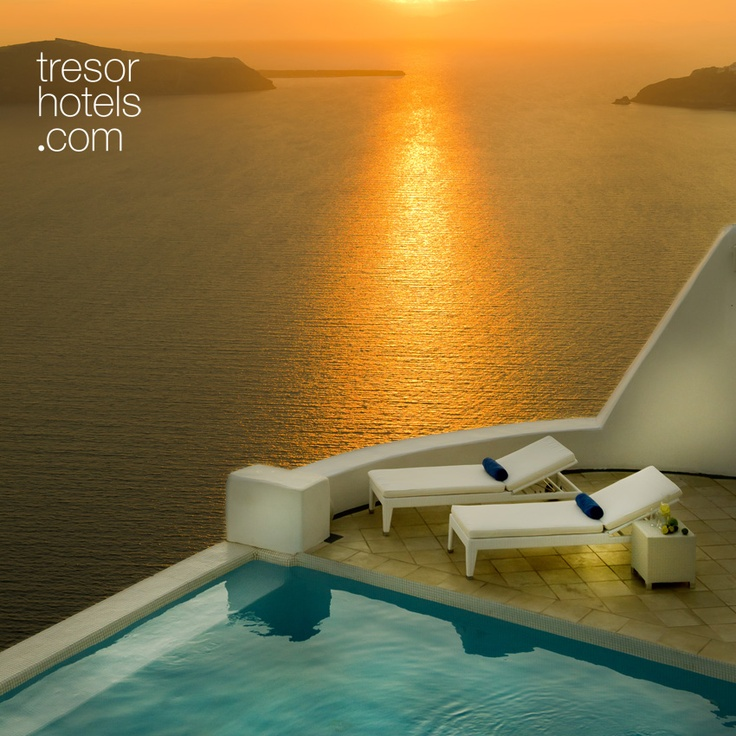 Trésor Hotels and Resorts_Luxury Boutique Hotels_#Greece_ The communal swimming pool has a marvellous pool bar for fresh juices and cocktails, at your disposal if and when you do decide to part from your private oasis for a little while.