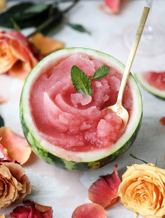 watermelon frosé recipe!!  this summer drink is perfect for summer parties & girls nights! | cocktail recipe, rose wine, watermelon cocktail, refreshing drink, summer drink, girls night ideas |