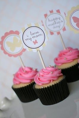 For all of you DIYers - here is a great list of Mother's Day printables!  I love the Mother's Day Gazette that kids can fill in for their moms!Cupcakes Projects, Gift Ideas, Mothers Day Ideas, Cupcakes Toppers, Mothers Day Gift, Gift Tags, Mother'S Day, Cupcake Toppers, Free Printables