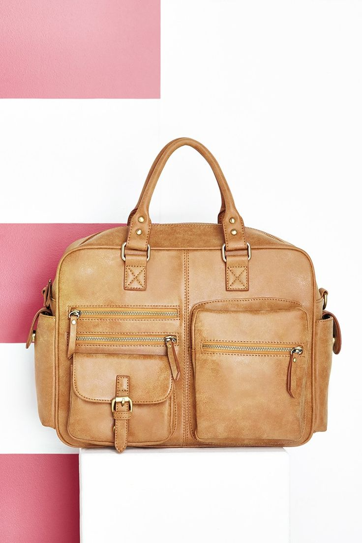 Cognac overnight duffel bag with lots of pockets