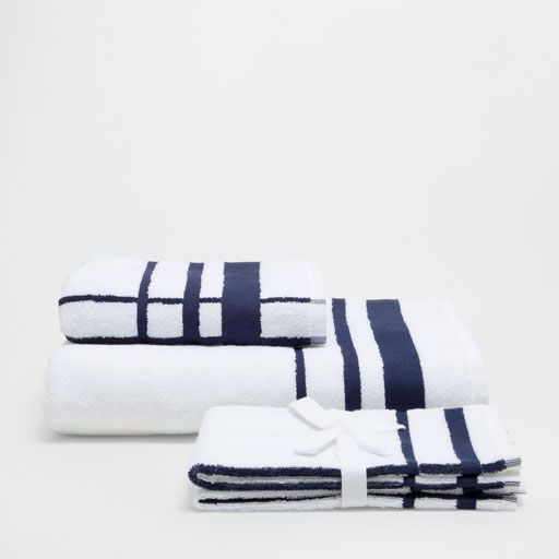 Image of the product COTTON TOWELS WITH BLUE LINES