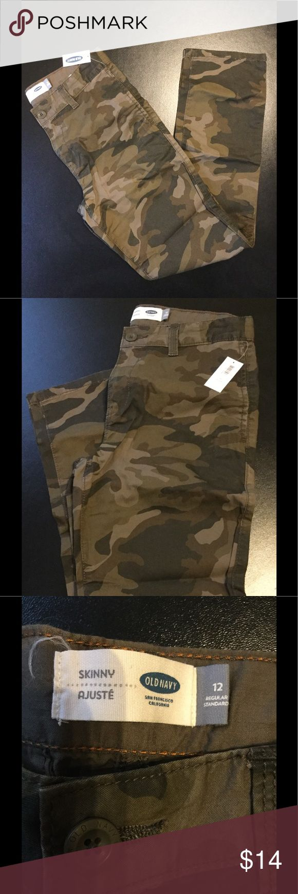 Old Navy Boys Camouflage Skinny Pants size 12 Welcome.  This listing is for a pair of boys Old Navy camouflage pants. NEW with tags. This item is a size 12. Style: Skinny pants with adjustable waistband. Item is stored in a smoke free/ pet free environment Old Navy Bottoms Jeans