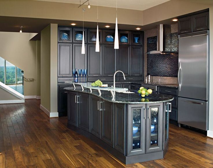 Is your style #contemporary or #modern? #Decorá has every shape style and color to complete your kitchen. Cabinets Direct USA can bring the perfect Decorá cabinets to your home. #CabinetsDirectUSA #KitchenStyle #KitchenDesign #KitchenInspiration