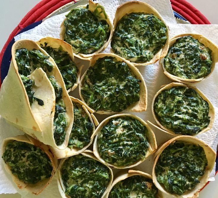 Cestini di piadina all'olio evo con spinaci, ricotta e noci.