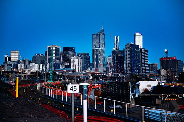 busy city - Melbourne Street