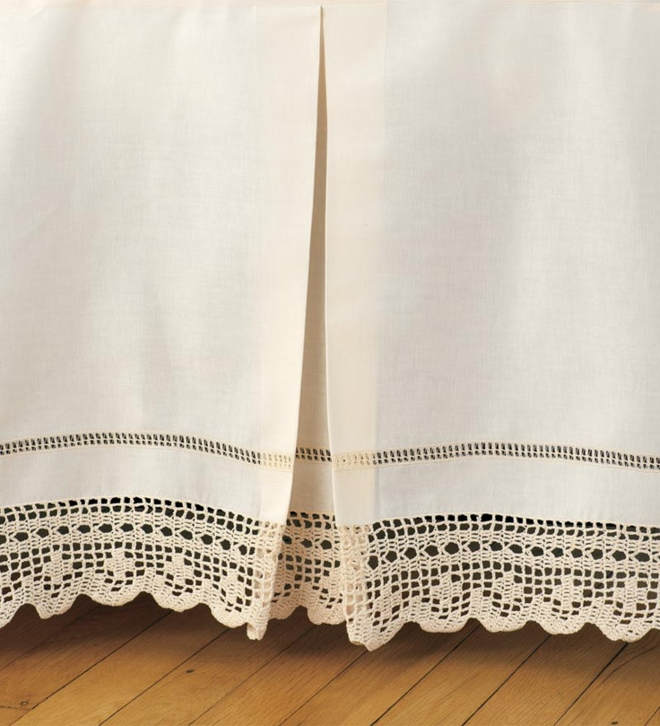 this is gorgeous ... Bed Skirt with Chevron Pattern Crochet  Trim