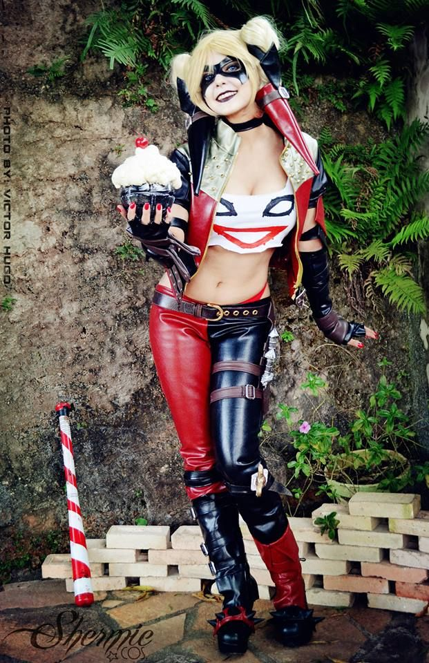 Cupcake grenade! Amazing Harley Quinn cosplay! - 10 Harley Quinn Cosplays