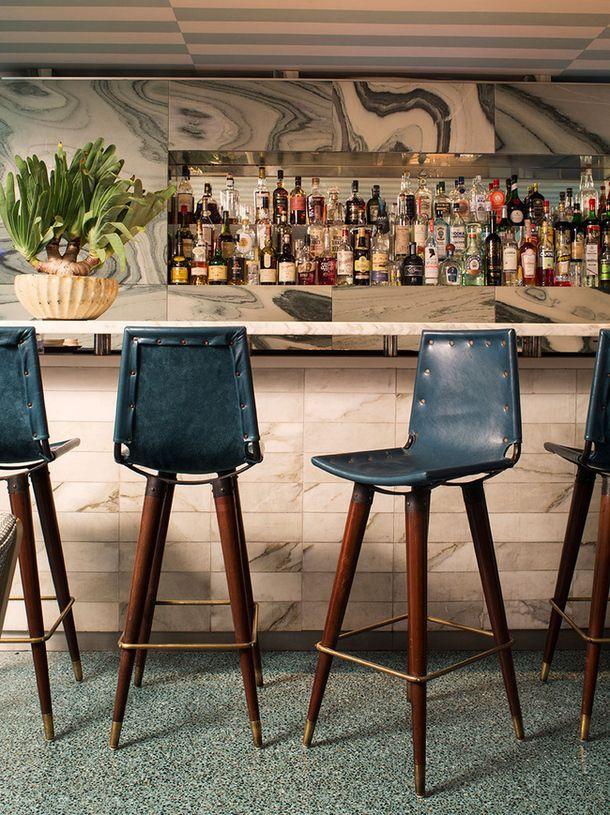 Келли Уирстлер оформила интерьер нового ресторана в культовом отеле Беверли-Хиллз Avalon и в особом для ее карьеры месте воссоздала атмосферу калифорнийского гламура 50-х.