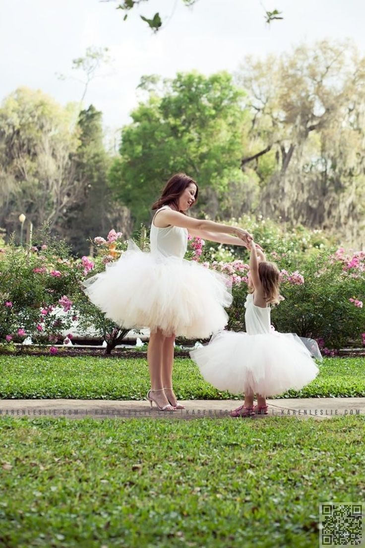 21. Big and #Poofy - 23 Stunning #Mother Daughter #Outfits You Can Wear Together…