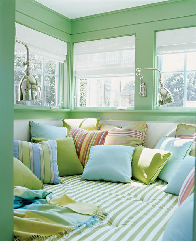 Love this reading nook in beachy colors