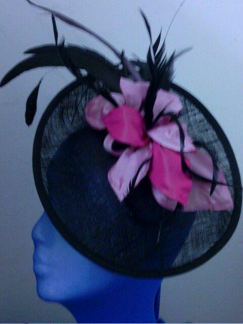 Plato negro y rosa