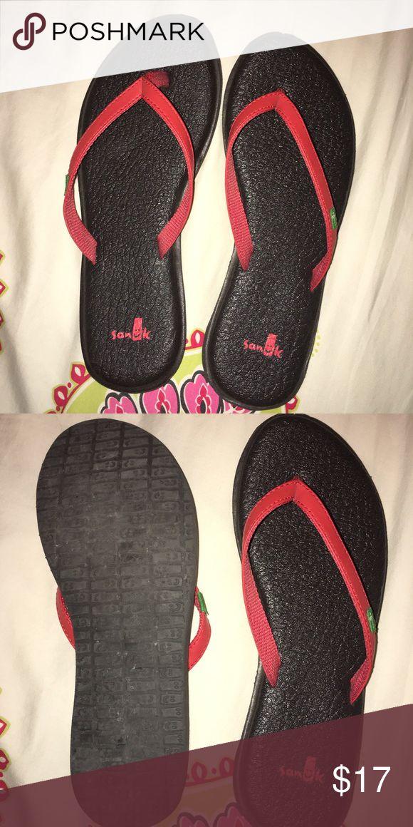 Sanuk Flip Flops Super cute yoga mat soles flip flops!! Barely worn a couple times. Size 6!! Sanuk Shoes Sandals