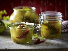 Unser beliebtes Rezept für Eingemachte Schmorgurken und mehr als 55.000 weitere kostenlose Rezepte auf LECKER.de.