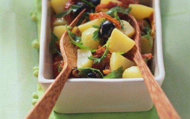 Πατατοσαλάτα με ελιές και λιαστή ντομάτα - iCookGreek