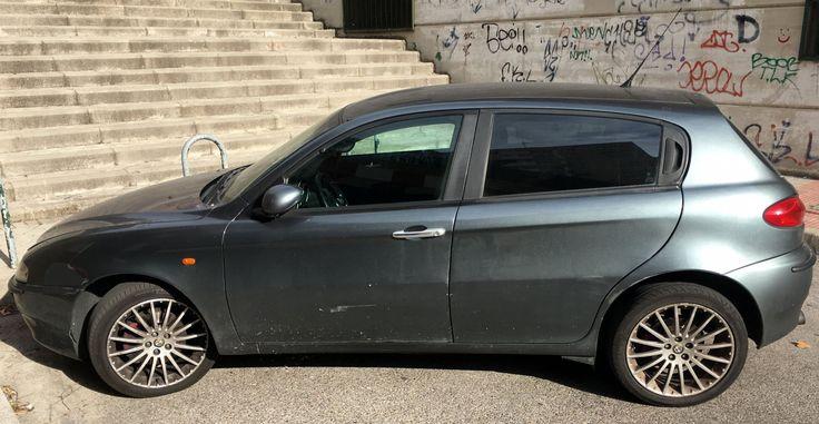 """1500,00€ · Alfa Romeo 147 JTD 5 puertas Gris Metalizado Oscuro de 2002 · Vendo Alfa Romeo 147 JTD, DIESEL, del año 2002, 281500 kilómetros, siempre en garaje, con ITV hasta mayo, buen estado, Climatizador Bizonal, control de velocidad, control de tracción, llantas de 17"""", cristales tintados homologados, bluetooth, 1500 euros. · Vehículos > Coches > Coches Alfa Romeo"""