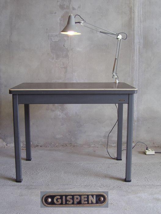 Online veilinghuis Catawiki: W.H. Gispen - bureautafel model 7201