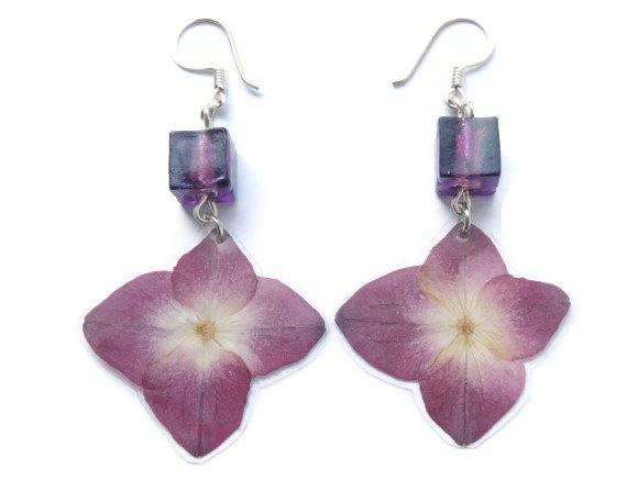 Dried Hydrangea earrings Violet dangle by AmazoniaAccessories, €9.50