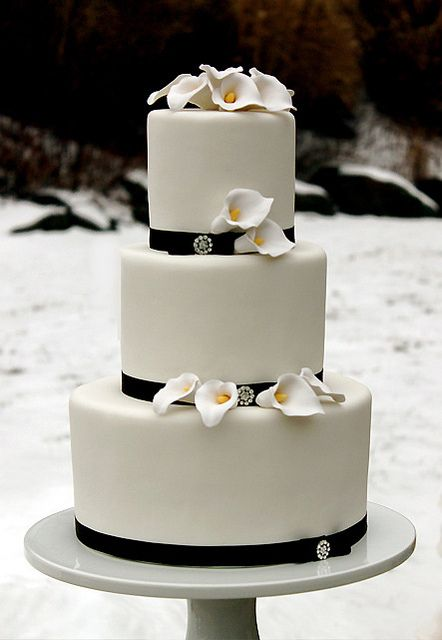 dream interpretation of wedding cake 1000 ideas about calla cake on sugar 13731