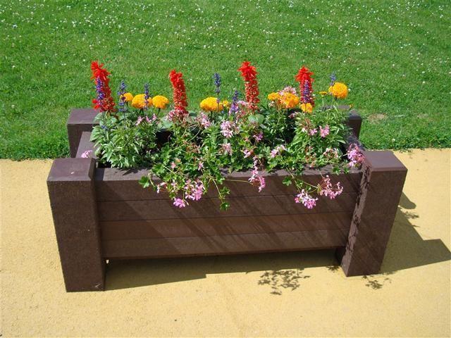 Pflanzkübel Blumenkübel aus Recycling Kunststoff Modell Muscari