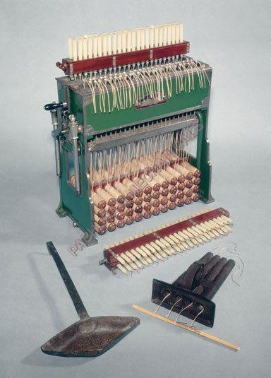 Semi Automatic Candle Making Machine