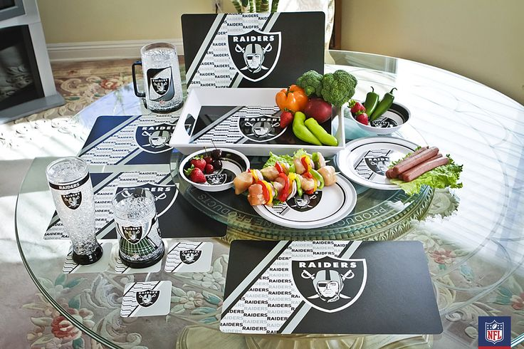 Nobody's making any mistake about where your interests lie when you serve dinner on this Raiders dining set from Duck House. Especially useful when your brother-in-law is a Chiefs fan.