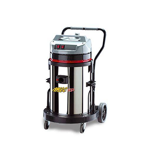 MEC 440 M MEC 440 Mje profesionálny prístroj vhodný na sanie prachu aj tekutín.Má veľmi pevnú konštrukciu, jednostupňové vysokootáčkové motory, jednoduchú manipuláciu s príslušenstvom.Rýchlo a účinne vyčistí kancelárie, technologické zariadenia, výrobné a skladovacie prevádzky.MEC 440 MPodtlak mbar 223Prietok vzduchu m3/h 765Výkon W 3500Napájanie V 230Nádoba l 62Hmotnosť kg 11Rozmery cm 60 x 60 x 90